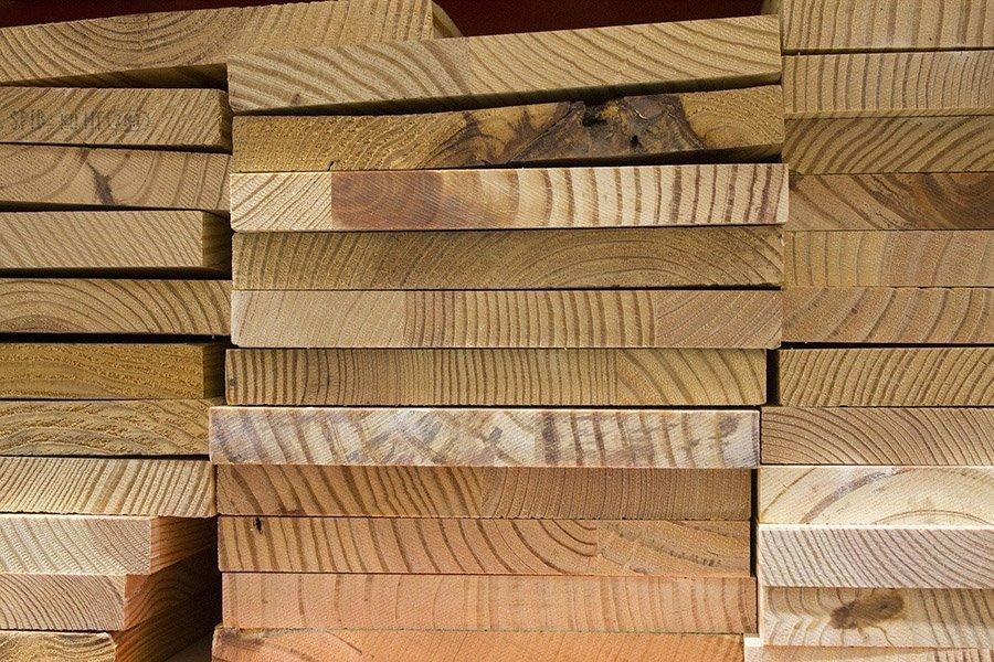 You are currently viewing Сообщается еще о двух случаях воровства лесоматериалов по мере роста цен