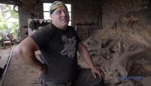 Read more about the article Мистецтво на пеньках: як зробити бізнес з лісового непотребу