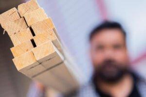 Read more about the article Больше заказов на основные строительные работы — но проблемы со стройматериалами