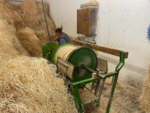 Read more about the article Строганная древесина: репортаж с завода по производству древесной шерсти