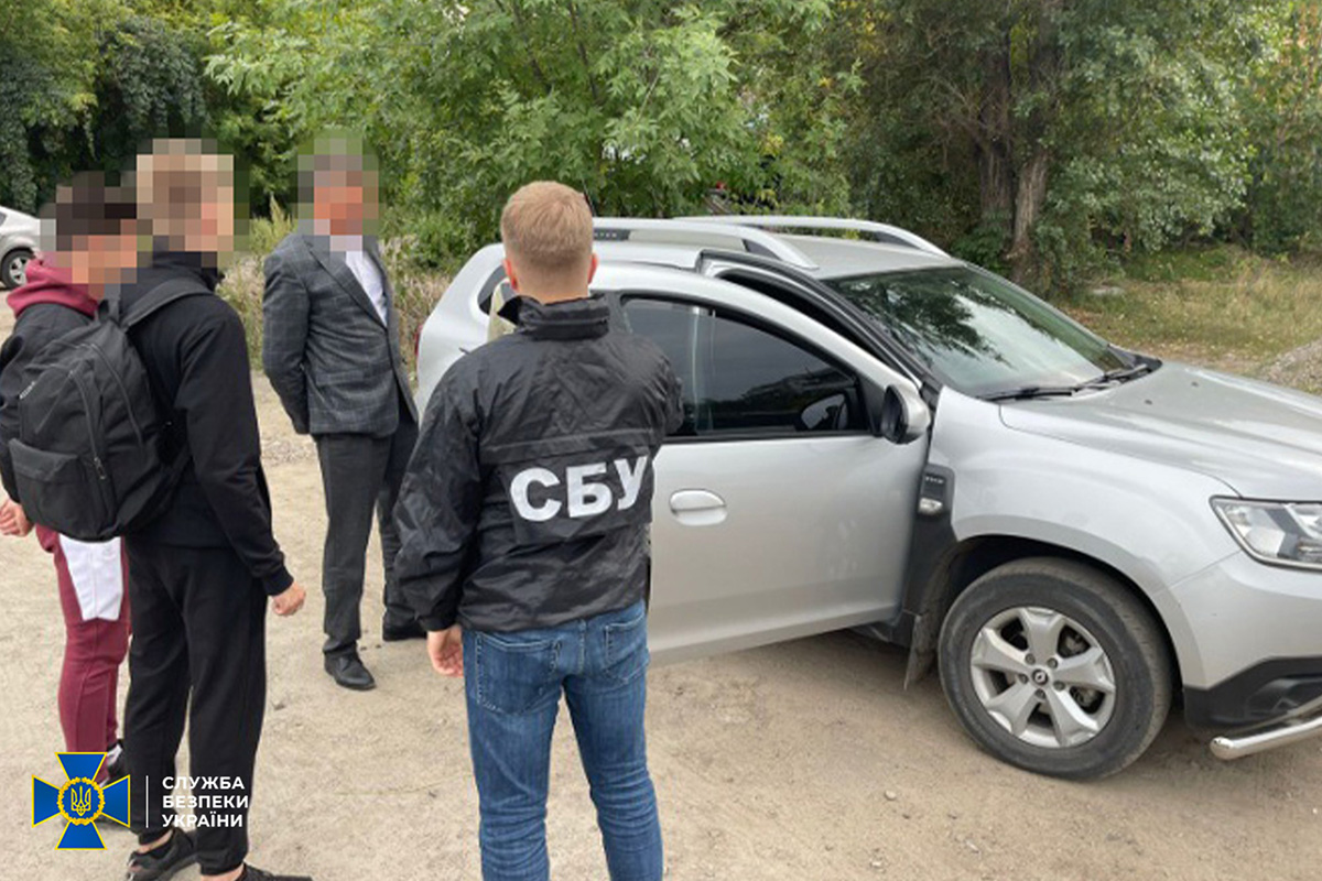 Read more about the article СБУ разоблачила дельцов, которые ежемесячно вывозили из Украины 30 фур древесины по фальсифицированным документам