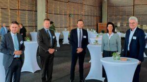 Read more about the article Реттенмайер открывает новый лесопильный завод