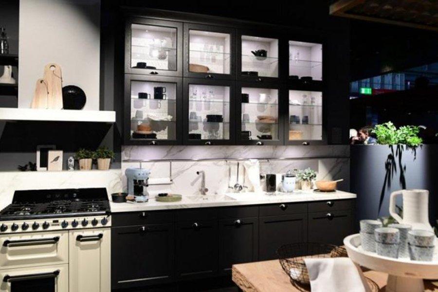 Read more about the article Миланская мебельная ярмарка вновь открывает двери после двухлетнего перерыва